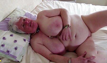 बिल्ली में उसे वीडियो सेक्सी मूवी अपने गुरुत्वाकर्षण के साथ बिस्तर में जवान लड़की